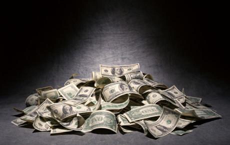 На последнем дыхании. Доллар уже не всемогущ и находится на грани коллапса