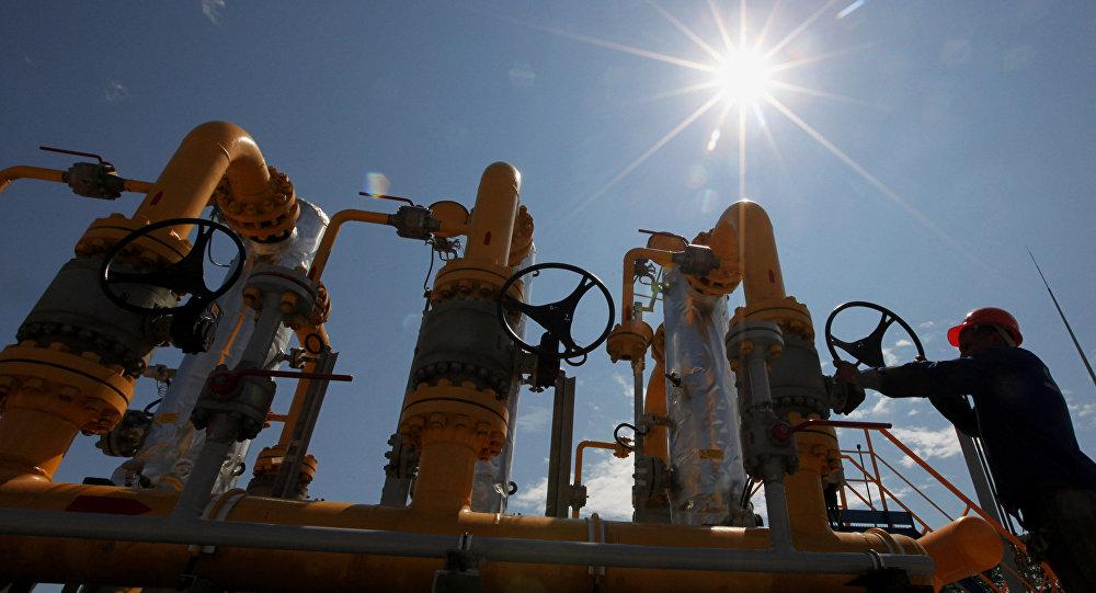 """Европа перед выбором: газ из США или контракты с """"Газпромом"""""""