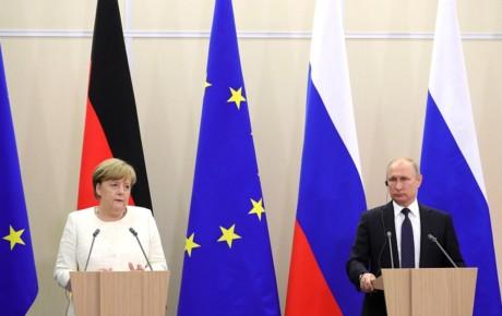 Путин и Меркель обсудили в Сочи Украину, Северный поток-2 и Иран